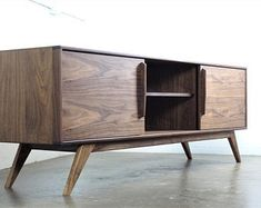 Solid Walnut Media console - TV console - Mid century modern TV stand - Modern TV console - Credenza -Record storage - The BlackMo Tv Console Modern, Console Tv, Modern Credenza, Tv Console Design, Tv Credenza, Sideboard, Tv Stand Cabinet, Be Design, Wooden Tv Stands