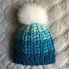 Very Beautiful - softmusic Crochet Beanie, Crochet Yarn, Easy Crochet, Free Crochet, Crochet Shoes Pattern, Crochet Slippers, Crochet Patterns, Crochet Hexagon Blanket, Crochet Fashion