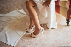 Zapatos de novia blancos  #wedding #bodas #boda #bodasnet #decoración #decorationideas #decoration #weddings #inspiracion #inspiration #photooftheday #love #beautiful #groom #awesome #shoes #white #blue #sandal #highheels Ballet Shoes, Dance Shoes, Love, Wedding, Beautiful, Fashion, Bridal Footwear, Groom Style, Bride Shoes