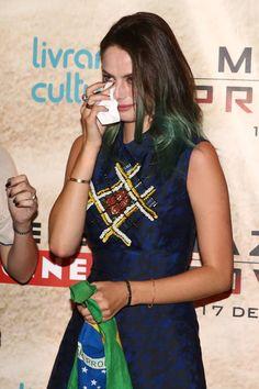 Kaya Scodelario chora durante premiére (Foto: Manuela Scarpa/Photo Rio News)