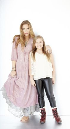 What are a few things that would surprise you to know about Lennon and Maisy? Find out here! The famous Stella sisters, Lennon and Maisy, from ABC's :Nashville are our FACES of the South on www.StyleBlueprint.com