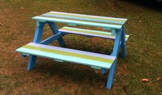 Mesa de picnic para niños hecha con madera reciclada de palets