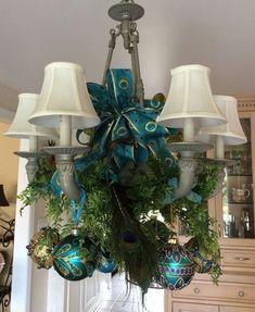 Peacock Christmas, Gold Christmas Tree, Christmas Frames, Diy Christmas Cards, Christmas Table Decorations, Christmas Colors, Handmade Christmas, Christmas Bulbs, Country Christmas