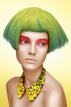 green hair bob with lemon lime yellow roots, bangs, crazy makeup, and fruit necklace Hair Art, My Hair, Editorial Photography, Fashion Photography, Mode Pop, Art Visage, Foto Fashion, Street Fashion, Creative Makeup