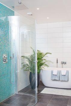 Bathtub, House Inspirations, Bathroom, Standing Bath, Bath Room, Bath Tub, Bathrooms, Bathtubs, Bath