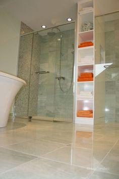 Ming-green marble bathroom | Céramiques Hugo Sanchez Inc