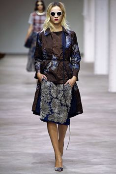 Dries Van Noten Spring 2013 Ready-to-Wear Fashion Show - Ginta Lapina (Women)