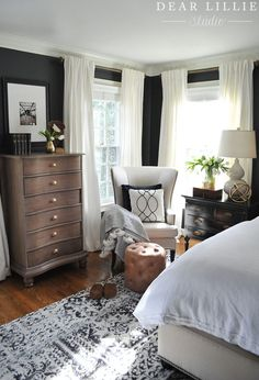 Modern Home Decor Bedroom – Southern Home Decor Dark walls, white curtains, master bedroom and guest room ideas 88 Wonderful Master Bedroom Makeover Ideas Bedroom design ideas can be inspiration to make you redo your bedroom beautifully. A New Rug and A Farmhouse Master Bedroom, Bedroom Makeover, Home Bedroom, Home Decor, House Interior, Blue Master Bedroom, Remodel Bedroom, Interior Design, Master Bedroom Makeover