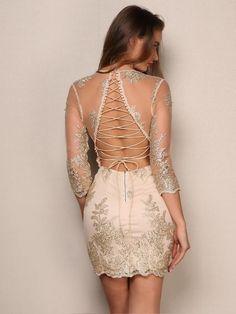 Vestido em Renda com Decote nas Costas - Compre Online