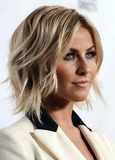 Julianne Hough has a great wavy medium bob hairstyle that works for her round face. Medium hairstyles for round faces such as this wavy bob can frame your face to add shape.