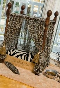 Up-cycled wine crate pet bed. cute zebra leopard for ur puppy or kitty Dog Furniture, Furniture Removal, Luxury Furniture, Diy Dog Bed, Dog Rooms, Animal Projects, Pet Beds, Doggie Beds, Doggies