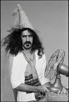 Frank Zappa By Andrew Kent Music Is Life, My Music, Jimi Hendricks, Music Pics, Music Pictures, Frank Zappa, Rock Music, Music Artists, Rock Bands
