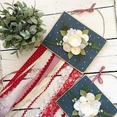 Boy howdy do I have some of July decor for YOU! I'm pretty smitten with these brand new beauties! They're so much fun to make and they just make me feel all the Patriotic feels! Crafts For Boys, Jute Twine, Cute Diys, Handmade Felt, Felt Flowers, Felt Crafts, Holiday Crafts, 4th Of July, Whimsical