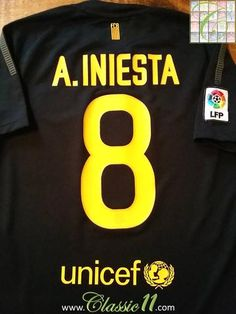 cc35d47bd21 2011 12 Barcelona Away La Liga Football Shirt A. Iniesta  8 (S)
