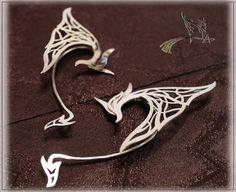 Oreilles d'elfe Sur les ailes du Dragon par ManikID sur Etsy                                                                                                                                                                                 Plus