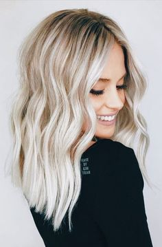 hair looks 2020 \ hair looks ; hair looks hairstyles ; hair looks color ; hair looks medium ; hair looks for prom ; hair looks curly ; hair looks 2020 ; hair looks hairstyles medium lengths Blonde Hair Colour Shades, Cool Blonde Hair, Cool Hair Color, Blonde Waves, Bright Blonde Hair, Blonde Sombre Hair, Beach Blonde Hair, Blonde Hair With Roots, Going Blonde