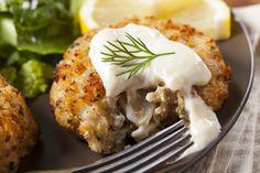 Patatesli balık köftesi tarifi, patates ile harmanlanmış mezgit veya somon balığının aromatiklerle lezzetlendirilmesiyle yapılan bir köfte.