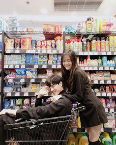 New Fashion Korean Couple Love 30 Ideas Korean Best Friends, Boy And Girl Best Friends, Couple Ulzzang, Ulzzang Girl, Kpop Couples, Anime Couples, Couple Goals Cuddling, Ulzzang Korea, Korean Couple