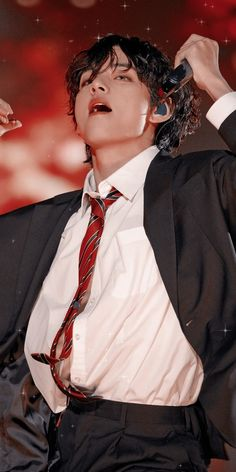"""bet he made you stop scrolling"" Foto Bts, Taekook, Bangtan V, V Bts Cute, Bts Twt, V Bts Wallpaper, Kim Taehyung, Bts Lockscreen, Daegu"