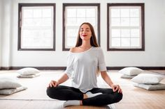 Yoga for flexibility - Hatha Yoga poses for beginners Top Application, Confidence Course, Hatha Yoga Poses, Bedtime Yoga, Feeling Inadequate, Yoga Positions, Relaxing Yoga, Yoga For Flexibility, Yoga Poses For Beginners