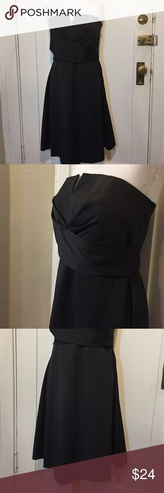 White House Black market strapless cocktail dress This is a beautiful and elegant strapless evening or cocktail dress from White House Black market. Fit and flair design, folded bodice design and A-line skirt, fully lined, has hooks to add straps. Bust 37 inches, waist 32 inches, skirt length 22 inches. Great condition minor wear. See pictures for details. Be sure to check out other items in closet and bundle to receive discounts. White House Black Market Dresses Strapless
