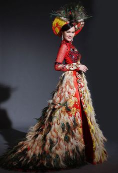 "vietnam , ethnic groups in Vietnam , capital hanoi ( thang long ) , daila city , north vietnam , "" ao dai royal vietnam """