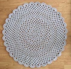 Rakkaat Siskot: Virkattu matto Chrochet, Knit Crochet, Crafts To Do, Doilies, Carpet, Rugs, Knitting, Diy, Handmade