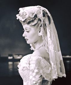 Wow Lucille ball on her wedding day to Desi Arnaz, 1940