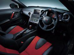 Nissan-GT-R_Nismo_2015_1600x1200_wallpaper_05