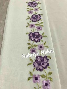 Cross Stitch Borders, Cross Stitch Rose, Stitch 2, Cross Stitch Flowers, Cross Stitch Designs, Cross Stitch Patterns, Bow Pillows, Crochet Bedspread, Donia