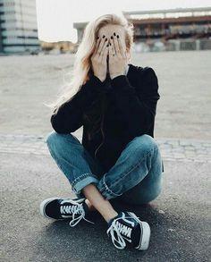 Pinterest   alizaaxo ☾☼ Instagram   alizaaxo Vans Outfit Girls, Black Vans 0c98479bb22