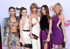 Taylor Swift Came to the Billboard Music Awards With Some Serious Backup