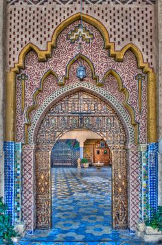 Beautiful, looks to be an entrance to a courtyard