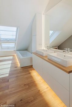 Badezimmer Maßgeschneidert - Stuttgart: CUBE Magazin Beautify With Garden Plants Article Body: There Bad Inspiration, Bathroom Inspiration, Bathroom Ideas, Attic Bathroom, Modern Bathroom, Bathrooms, Minimalist Decor, Shower Tub, Cubes