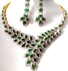 ROYAL VINTAGE NATURAL GREEN EMERALD 18 k WHITE GOLD DIAMOND HIGH END NECKLACE #Handmade #Collar