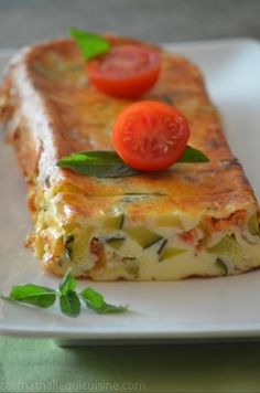 Enjoy the last zucchini and tomatoes from the garden! A delicious terrine . Cooking Cake, Cooking Recipes, Zucchini, Healthy Food Alternatives, Easy Chinese Recipes, Egyptian Food, Pizza, How To Cook Eggs, Light Recipes