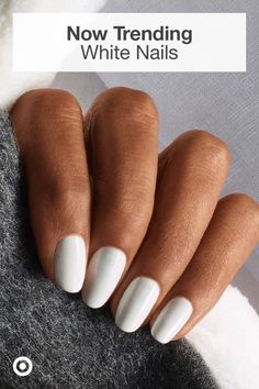 White is the nail color of the season! It's simple, trendy, easy to pull off & perfect for all nail shapes. Acrylic Nails Natural, Simple Acrylic Nails, Best Acrylic Nails, Summer Acrylic Nails, Acrylic Nail Designs, Nail Art Designs, Nail Swag, Tattoo Food, Khadra