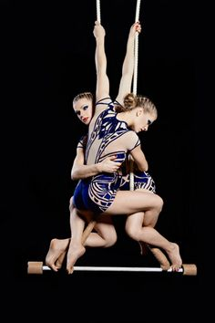 Trapeze sisters | Duo | Aerials | Circus performers | Performers | Entertainment Agency | Corporate Entertainment