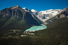 Offering panoramic views of Lake Louise and the Victoria Glacier, this 4-star resort is in Banff National Park. Lake Louise Banff, Fairmont Chateau Lake Louise, Fairmont Hotel, National Park Camping, Banff National Park, National Parks, Lake Louise Hotels, Alaska Adventures, Emerald Lake
