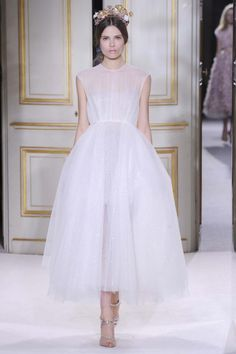 Bridal trends from Paris Couture: Flair for drama at Giambattista Valli haute couture spring 2013
