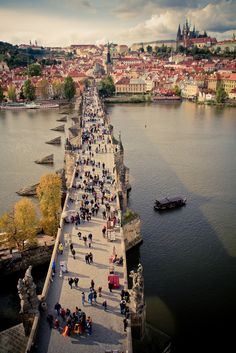 Charles Bridge, Prague (by gingerspires)