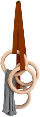 Scopri Appendiabiti Olympic, Cuoio scuro / Legno naturale di Eno disponibile su Made In Design Italia il miglior sito online di design.