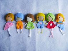 make a travel box of cute tiny dolls