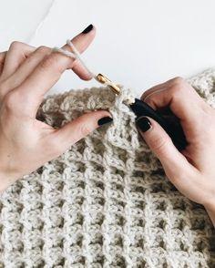 Crochet Beginner friendly crochet blanket pattern using the waffle stitch. Love, friendly crochet blanket pattern using the waffle stitch. Beginner friendly crochet blanket pattern using the waffle stitch. Crochet Crafts, Free Crochet, Knit Crochet, Blanket Crochet, Easy Crochet, Crochet Bags, Blanket Yarn, Crochet Food, Crochet Handbags
