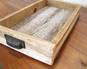 Tray made from pallet wood. Cup style drawer pulls serve as handles. Informations About Tray made fr Serving Tray Wood, Wood Tray, Wood Crates, Wood Boxes, Wood Pallets, Pallet Wood, Wood Wood, Diy Wood, Rustic Wood
