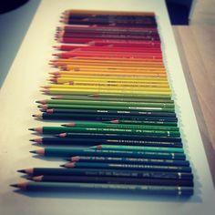 Quelqu'un m'a demandé hier quels crayons de couleurs j'utilisais !!! J'aime mes crayons de couleurs et mes crayons de couleurs m'aiment !!!!!! #bulletjournal #bujo #abracadabe #pencil #fabercastell #carandache #crayonsdecouleur #color #coloryourlife #love #loveyourself #art #artjournal #typography #wellness #happyness #happy #littlethings