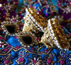 Meera Black Earrings