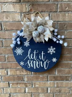 Christmas Wood Crafts, Christmas Signs Wood, Christmas Door, Winter Christmas, Holiday Crafts, Christmas Decorations, Christmas Ornaments, Xmas, Christmas Pizza