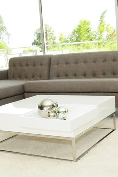white laquer table