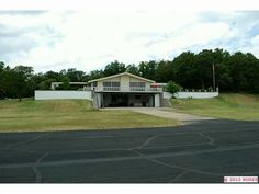 Lakeview home w/ Hangar and Pool - near Tulsa, Oklahoma for sale   Details @